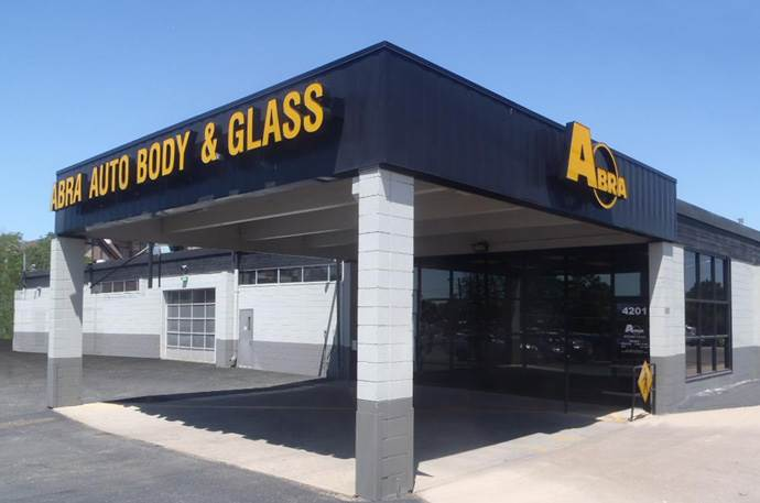Abra Body Shop >> Abra Auto Body Repair Of America Cherry Creek In Denver Co 80246