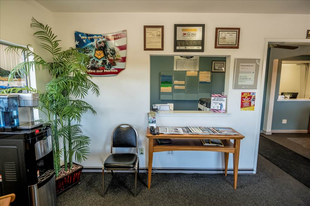 About Lou Saare Body Shop Santa Rosa Ave