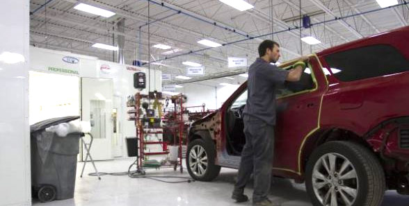 Car Repair Shops Near Me >> How to Find Auto Body Shops Near Me - Auto Body Shop Blog - Carwise.com